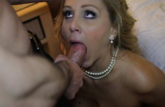 Julia Ann is Tonights Girlfriend