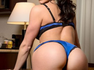 Kendra Lust is Tonights Girlfriend